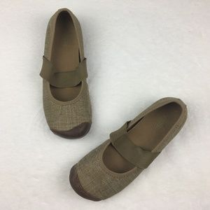 Keen Sienna Canvas Mary Janes in Brindle Size 7.5